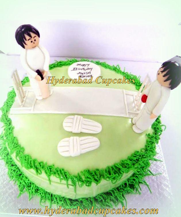 Cricket Birthday Cake 2 Players Pitch Green White Hyderabad Cupcakes