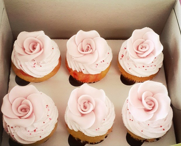 Valentines Day Pink Roses Strawberry Lush Cupcakes Hyderabad Cupcakes